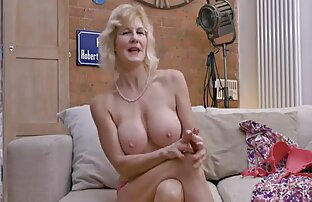 Hand reife muschi porn